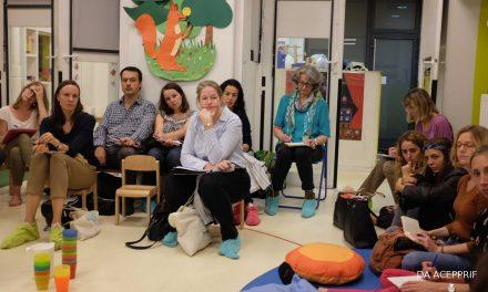 Inter-crèches en chaussettes : La pédagogie Pikler Loczy