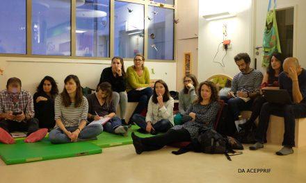 Inter-crèches en chaussettes : Développement des compétences émotionnelles et phase d'opposition chez les tout petits